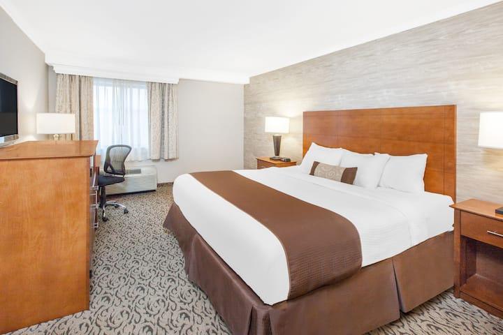 Guest room at the Days Inn Detroit Metropolitan Airport in Romulus, Michigan