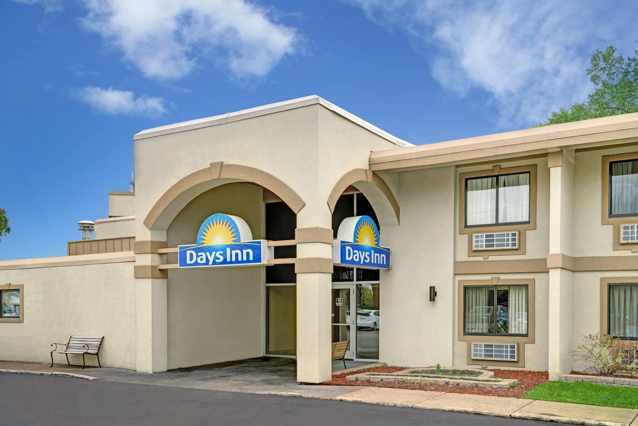 Days Inn Bloomington West in Coon Rapids, Minnesota