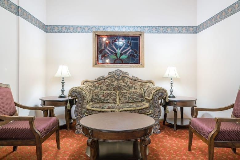 Days Inn Hutchinson Hotel Lobby In Minnesota