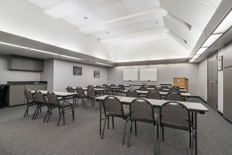 Meeting room at Days Hotel by Wyndham University Ave SE in Minneapolis,  Minnesota