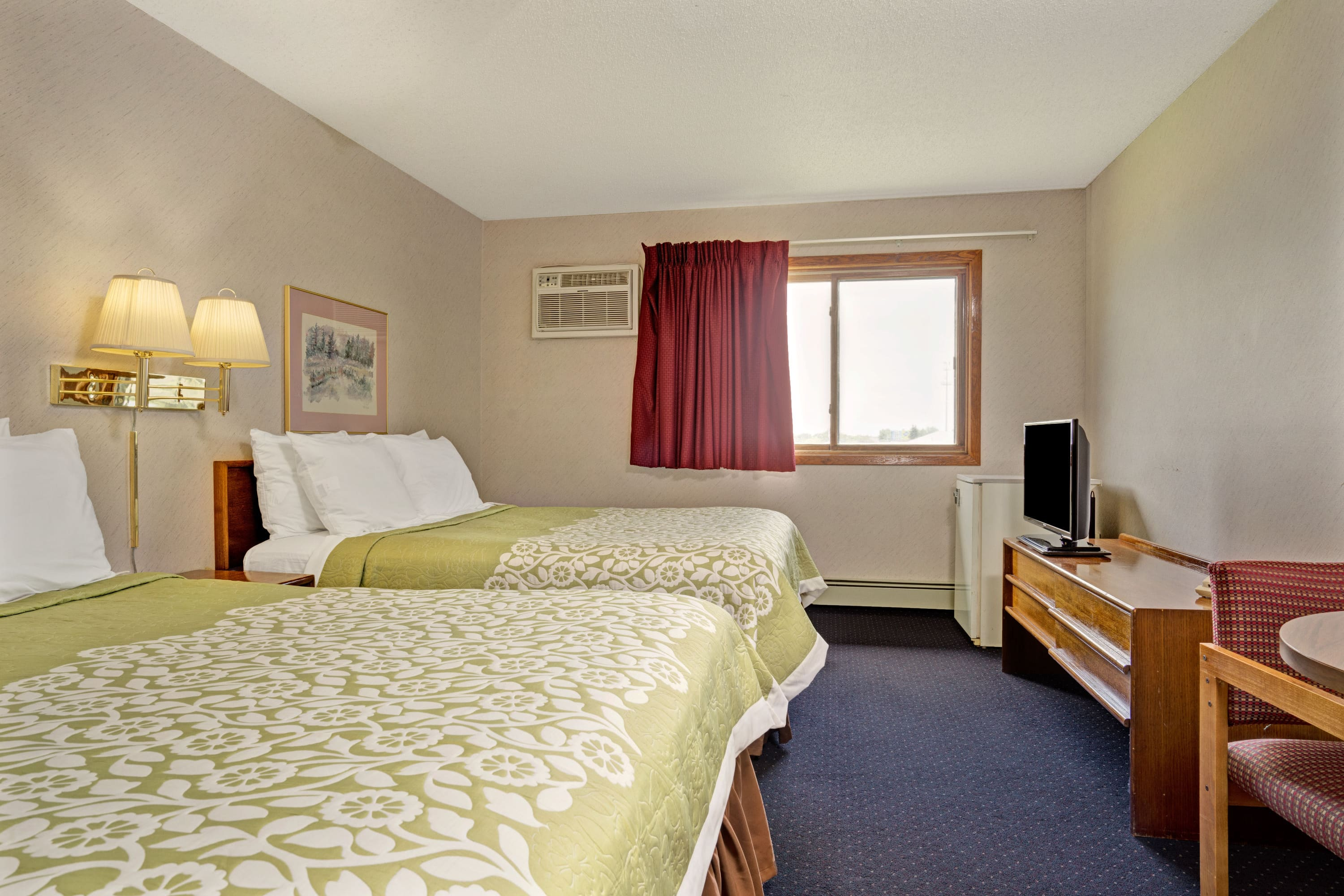Guest room at the Days Inn Monticello in Monticello, Minnesota
