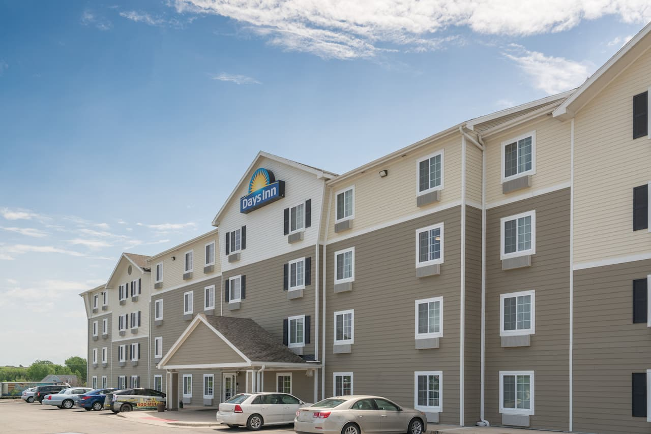 Days Inn & Suites Rochester South in  Rochester,  Minnesota