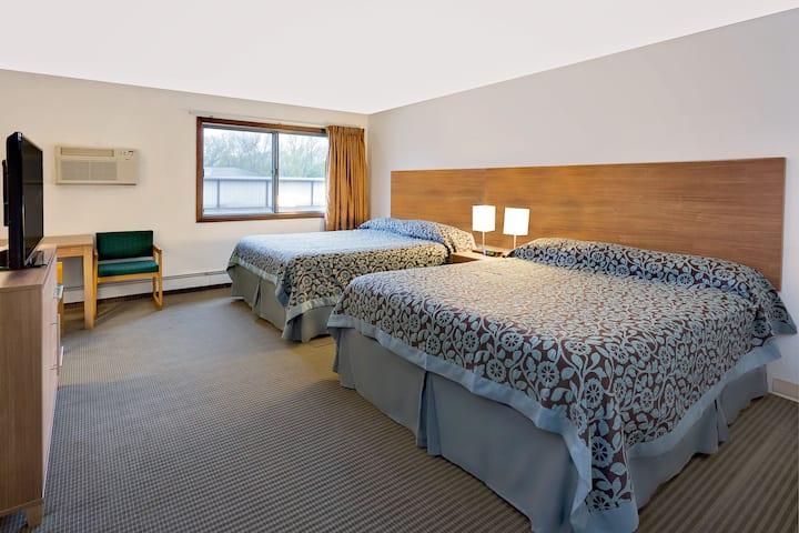Guest room at the Days Inn Winona in Winona, Minnesota