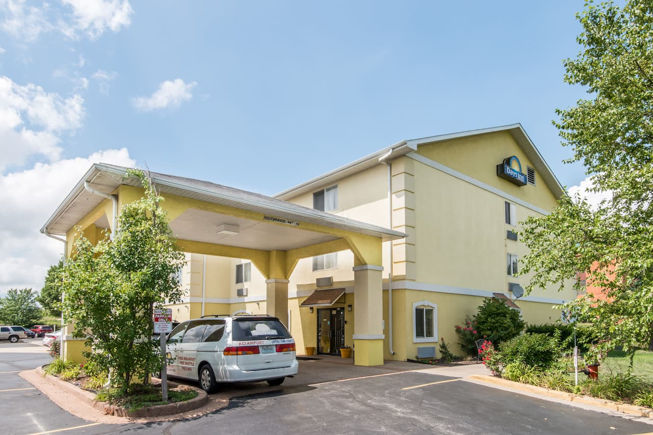 Days Inn Kansas City International Airport in Overland Park, Kansas