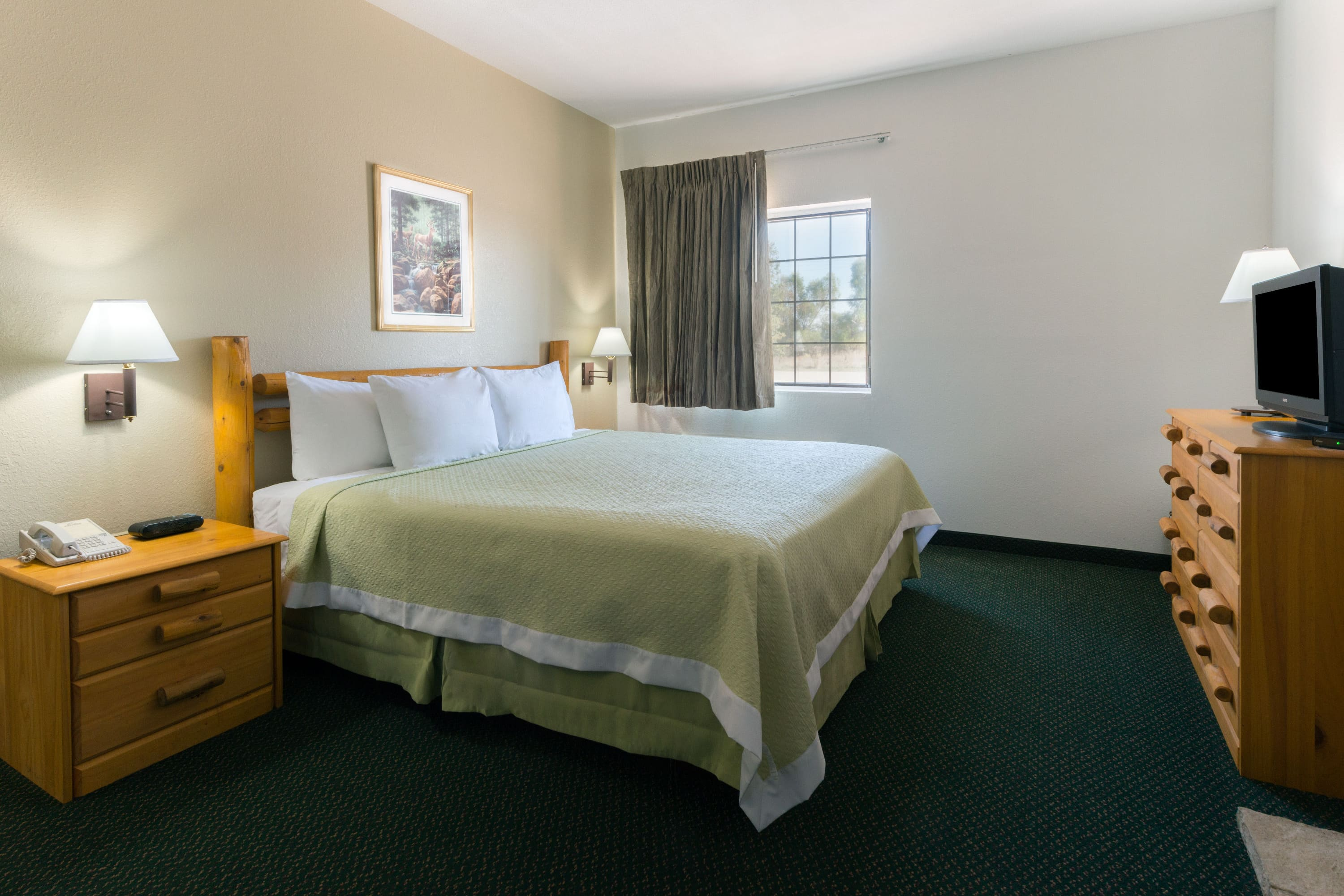 Guest room at the Days Inn New Florence in New Florence, Missouri