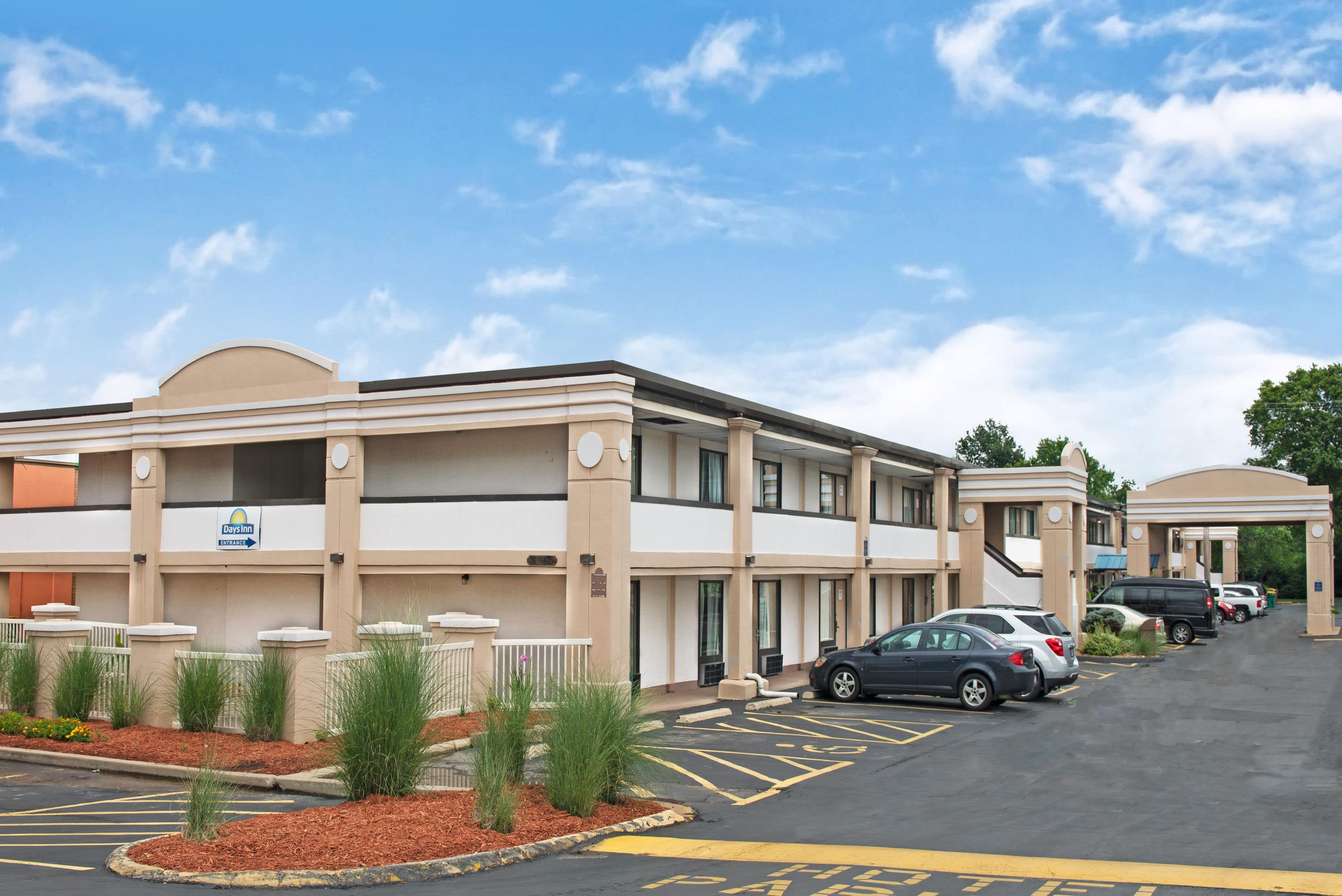 Free Exterior Of Days Inn St Louis Lindbergh Boulevard Hotel In Saint Missouri With Hotels Near Childrens Hospital