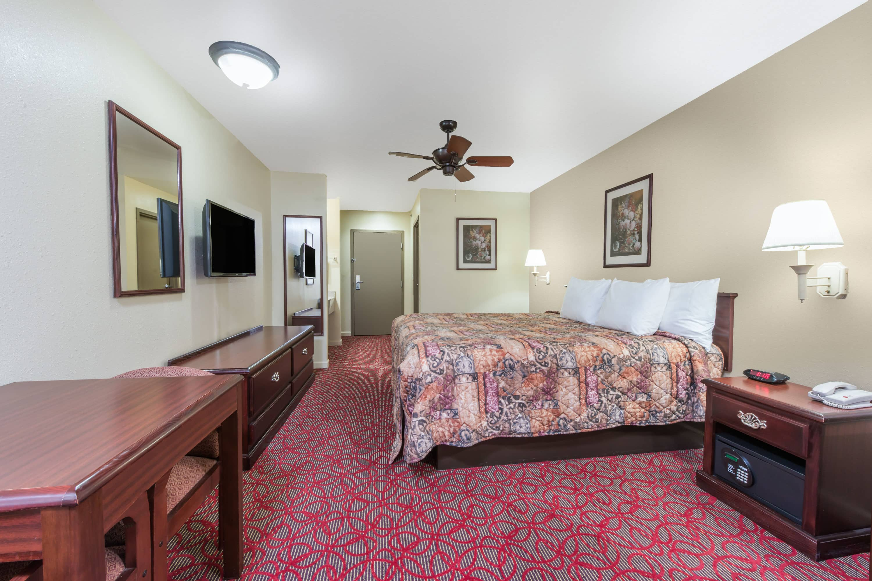 Guest room at the Days Inn St Peters/St Charles in Saint Peters, Missouri