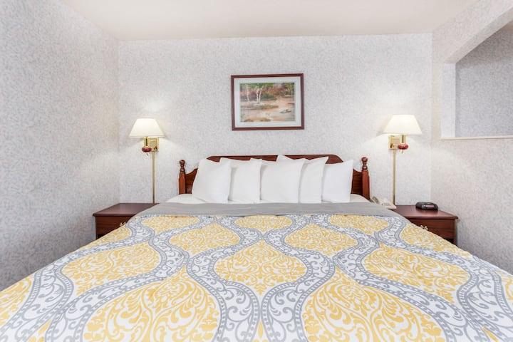 Days Inn Battlefield Rd/Hwy 65 suite in Springfield, Missouri
