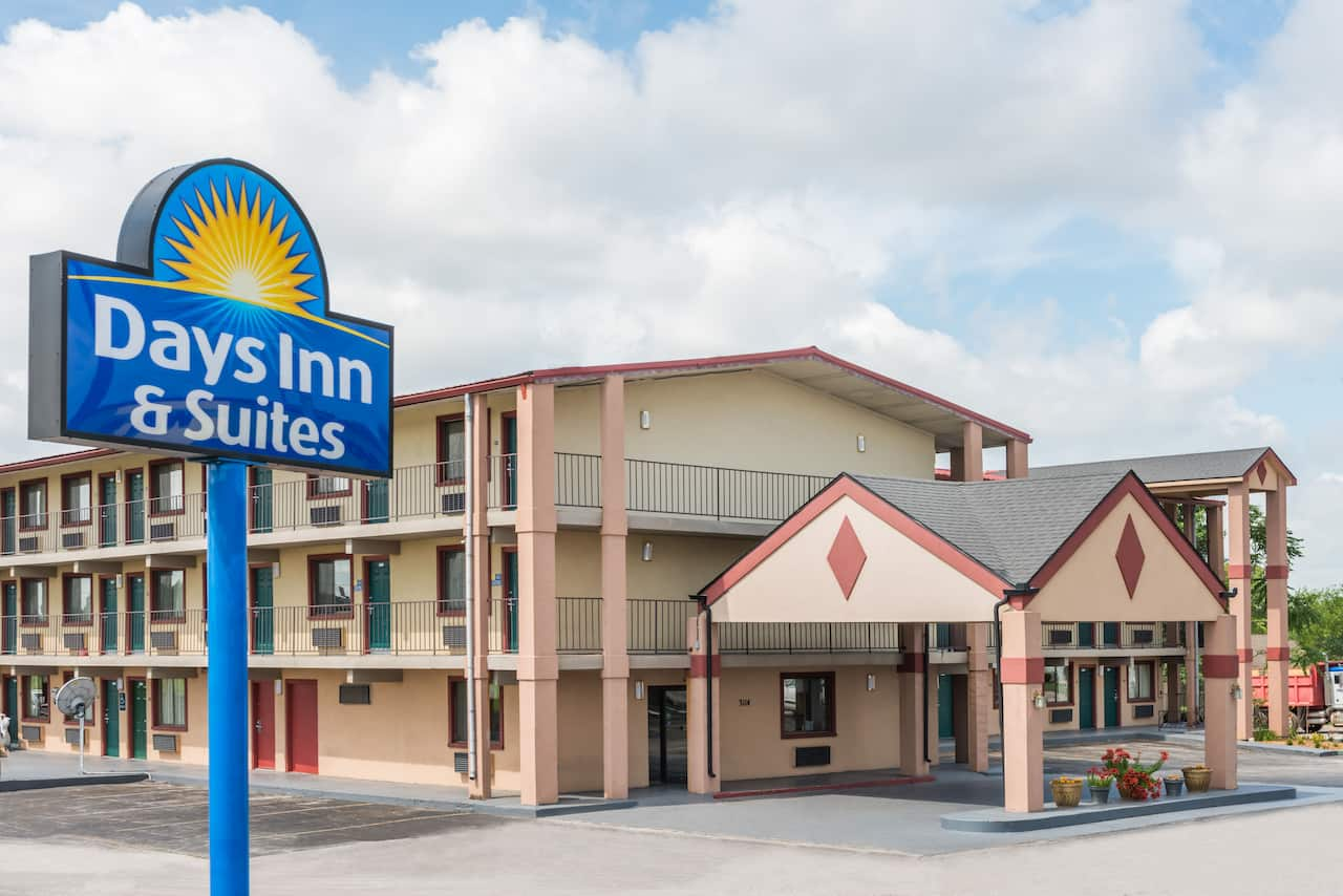 at the Days Inn & Suites Springfield on I-44 in Springfield, Missouri
