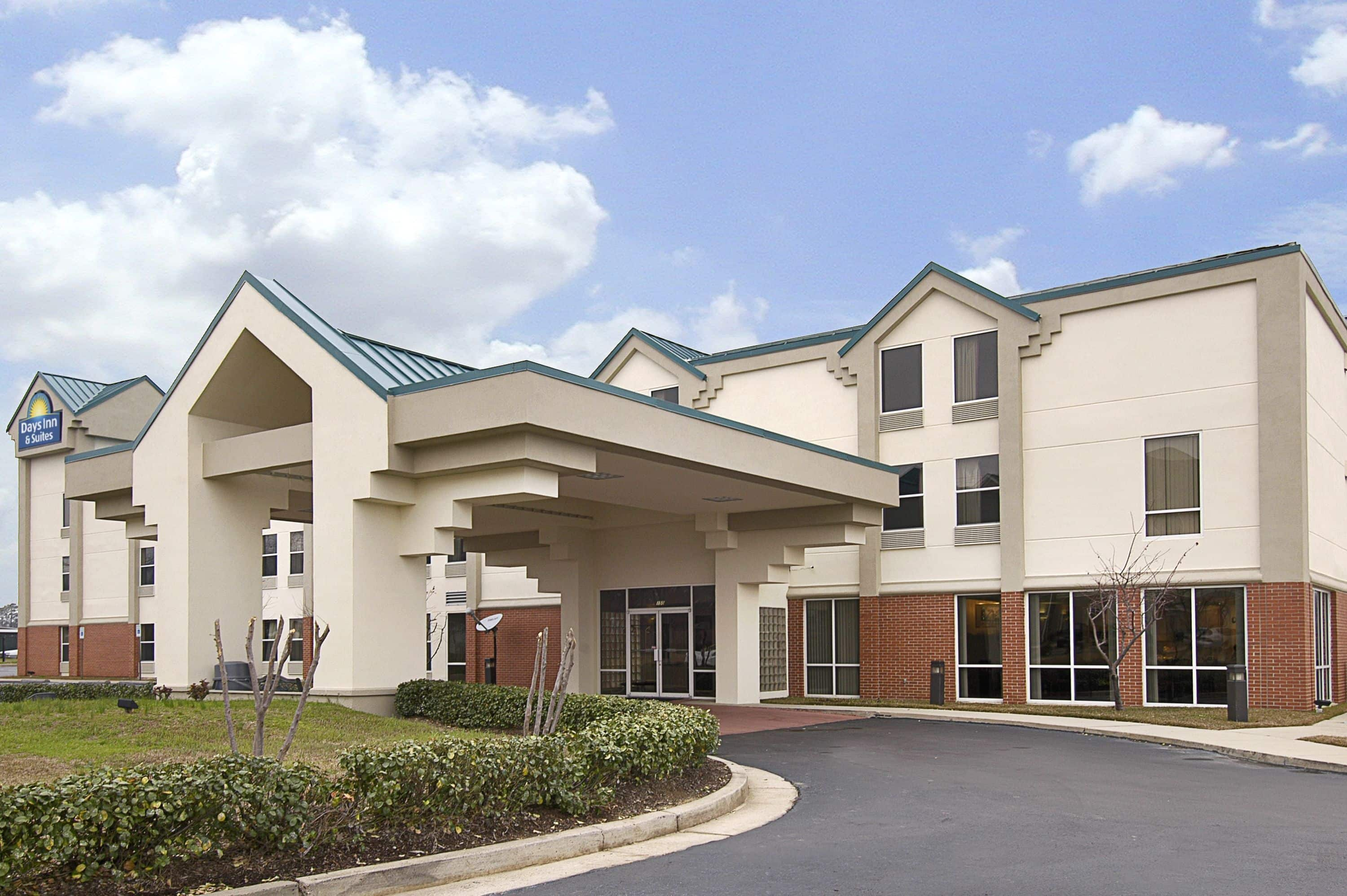 Cool Exterior Of Days Inn U Suites Ridgeland Hotel In Mississippi With Hotels Near Sc