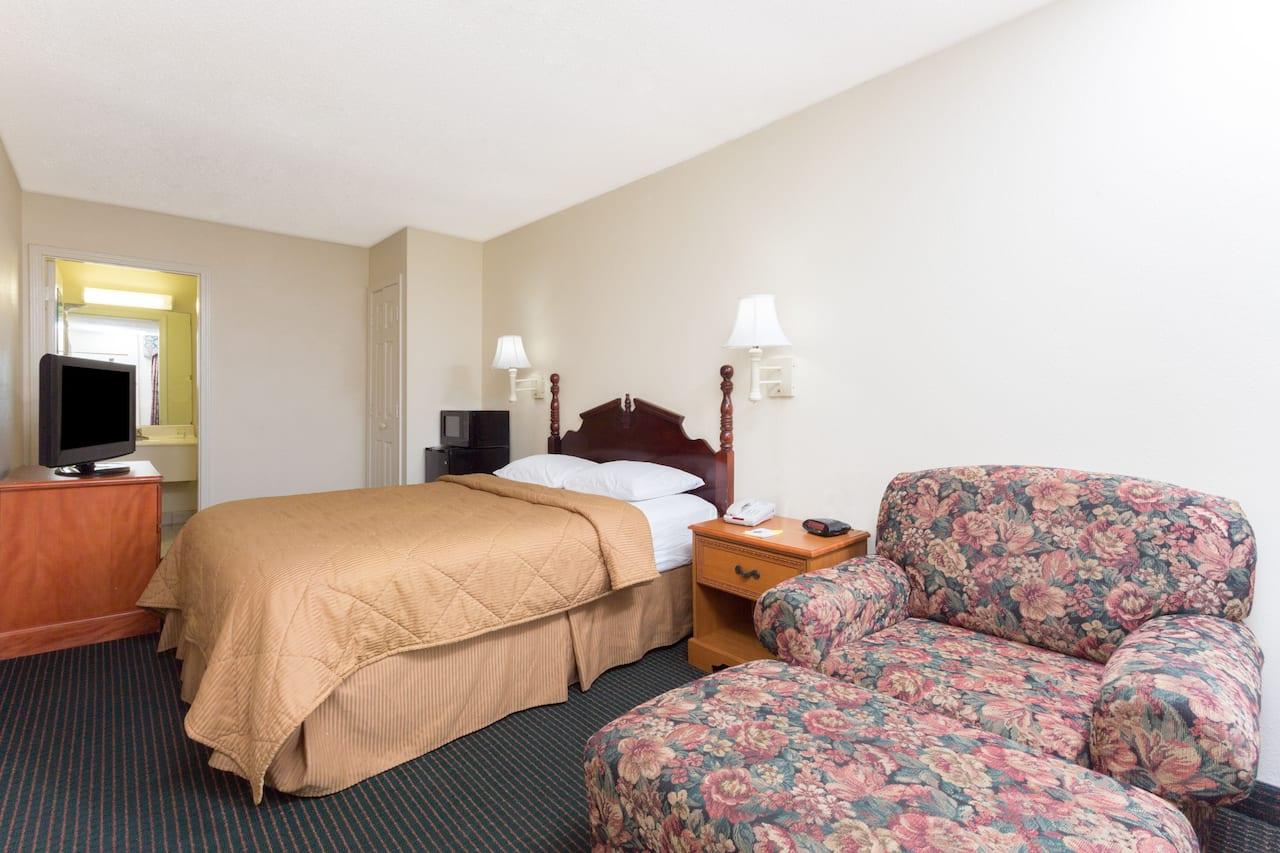 at the Days Inn & Suites Vicksburg in Vicksburg, Mississippi