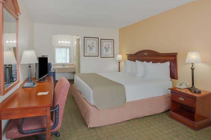 Guest room at the Days Inn Asheville West in Candler, North Carolina