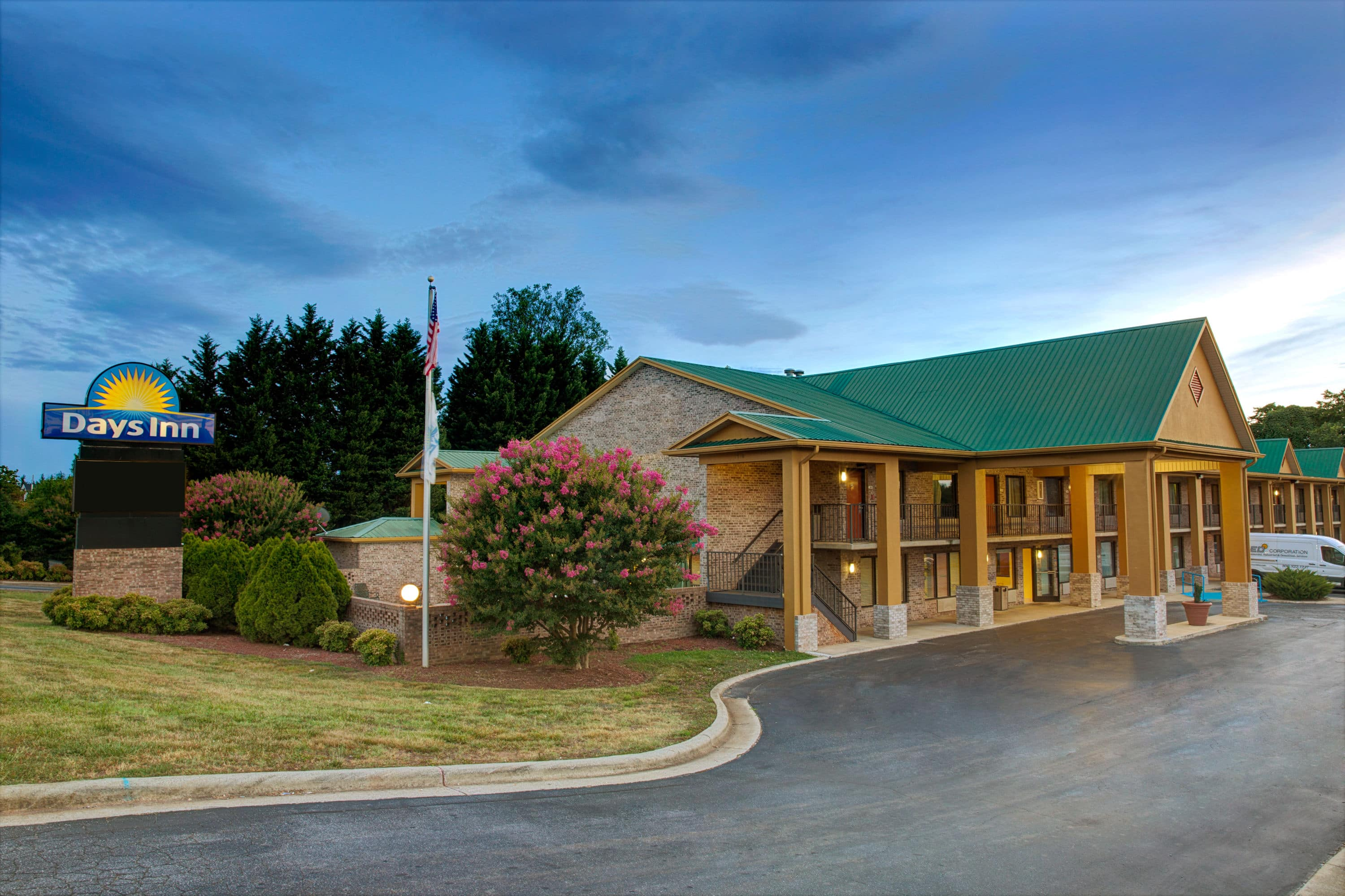 Exterior Of Days Inn Hotel In Conover North Carolina With Hotels Near Marion Nc
