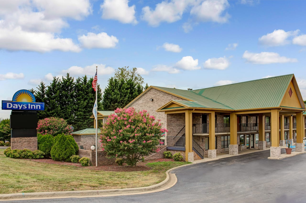 Days Inn Conover-Hickory in Lincolnton, North Carolina