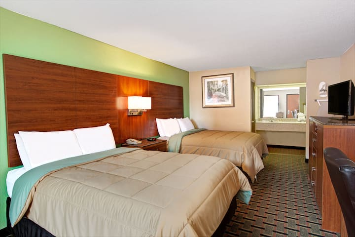 Guest room at the Days Inn Conover-Hickory in Conover, North Carolina