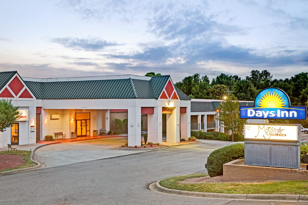 Days Inn Cornelius Lake Norman in Statesville, North Carolina