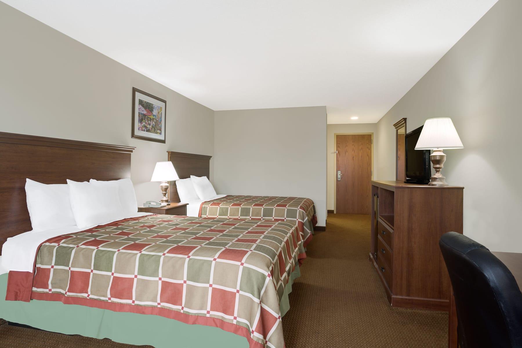 Days Inn By Wyndham Greensboro Nc Greensboro Nc Hotels