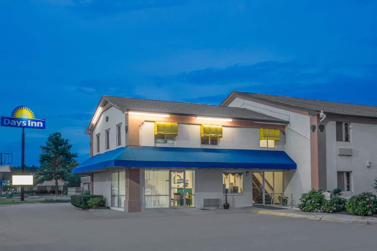 Days Inn Havelock in  Havelock,  North Carolina
