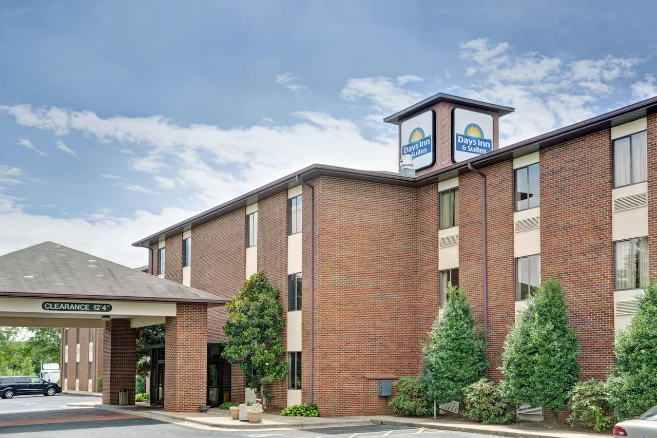 Days Inn & Suites Hickory in Morganton, North Carolina