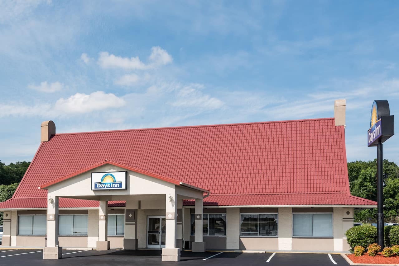 Days Inn Lumberton in Saint Pauls, North Carolina