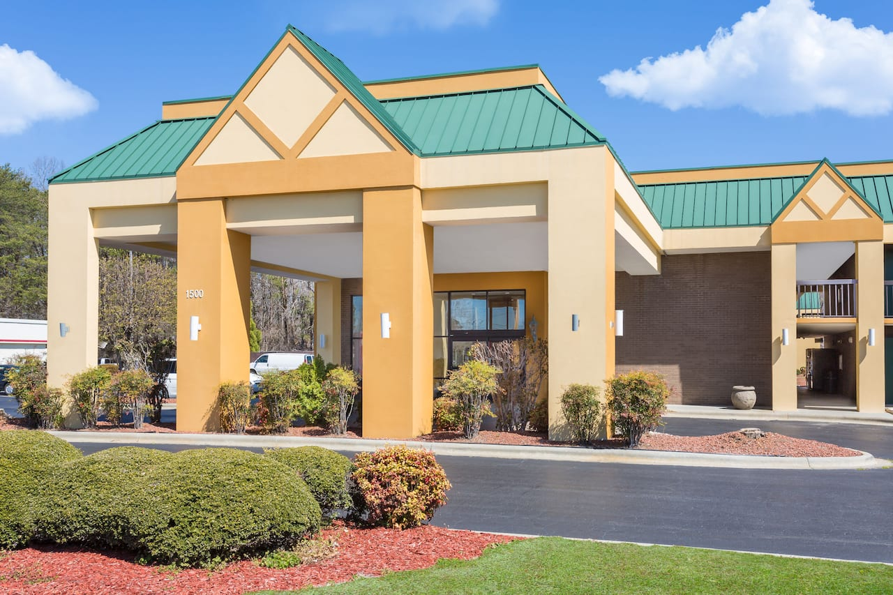 Days Inn Mocksville in  Salisbury,  North Carolina
