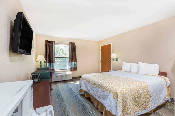 Guest room at the Days Inn & Suites Morganton in Morganton, North Carolina
