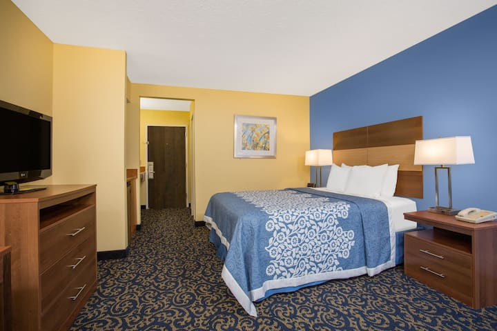 Days Inn Raleigh-Airport-Research Triangle Park suite in Morrisville, North Carolina