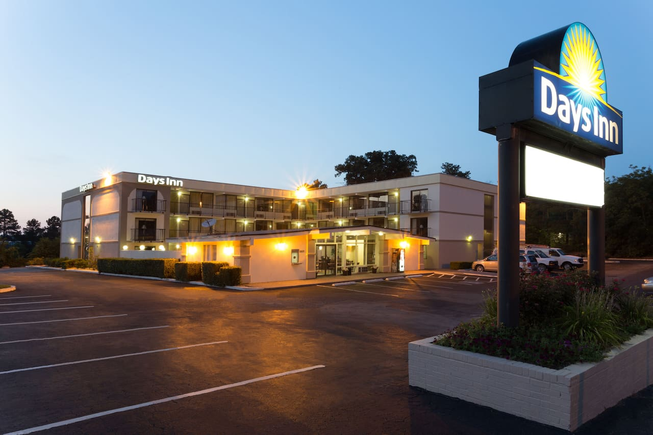 Days Inn Raleigh South in Smithfield, North Carolina