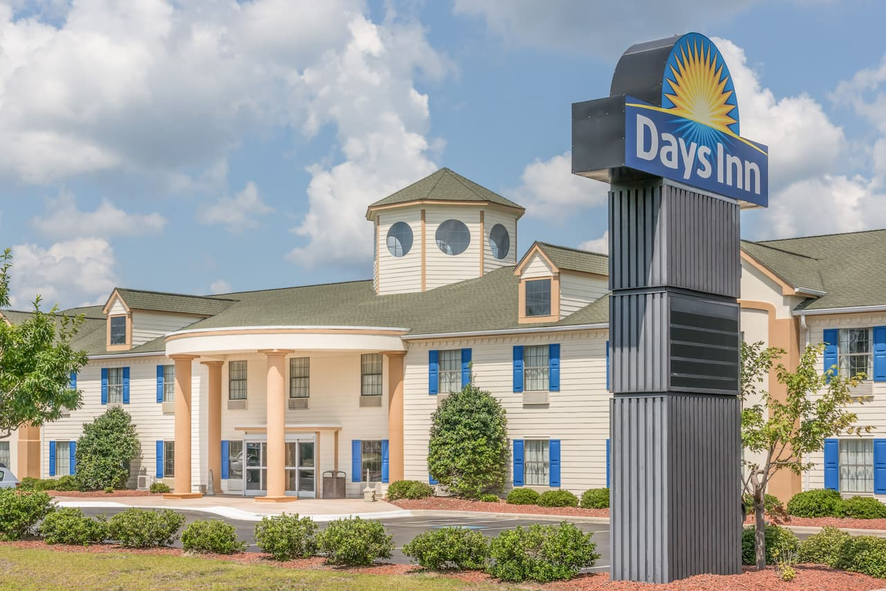 Days Inn Shallotte in Southport, North Carolina