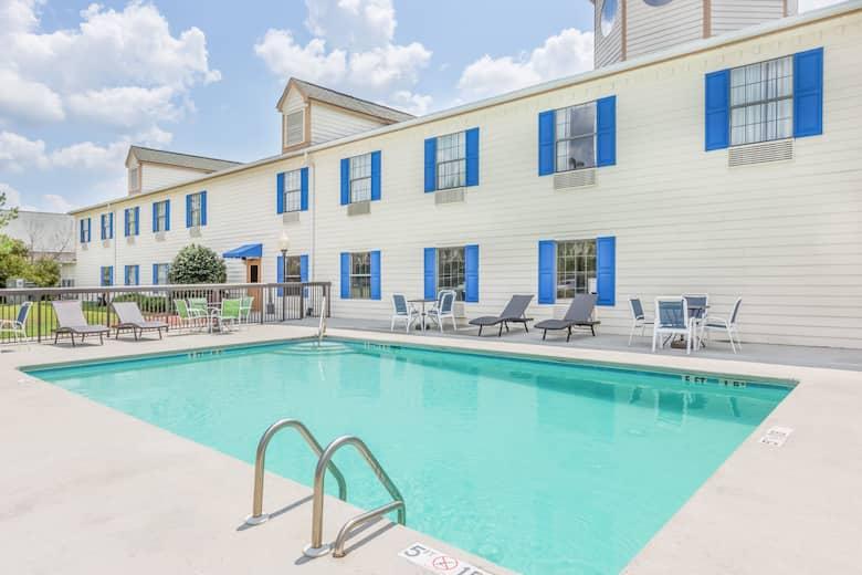 Days Inn By Wyndham Shallotte Hotels Nc 28470