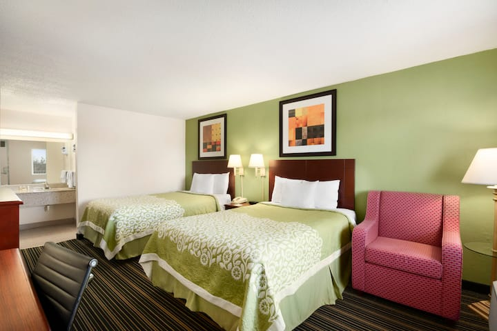 Guest room at the Days Inn Shelby in Shelby, North Carolina