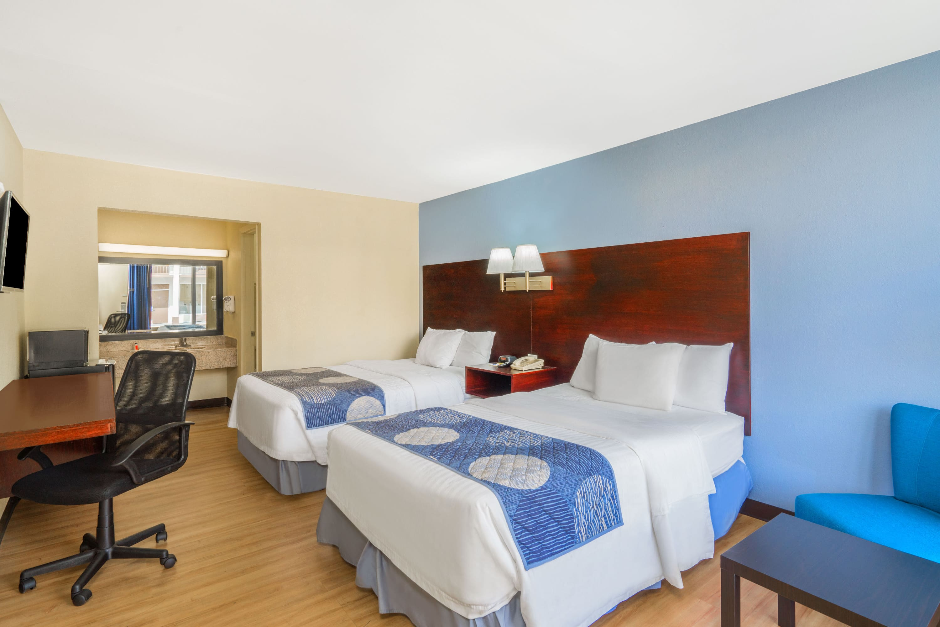 Guest room at the Days Inn Statesville in Statesville, North Carolina