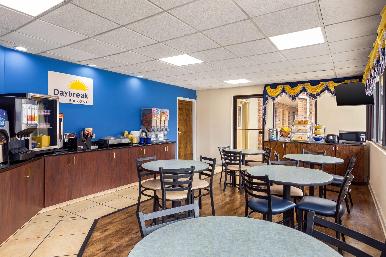 Days Inn By Wyndham Weldon Roanoke Rapids Weldon Nc Hotels