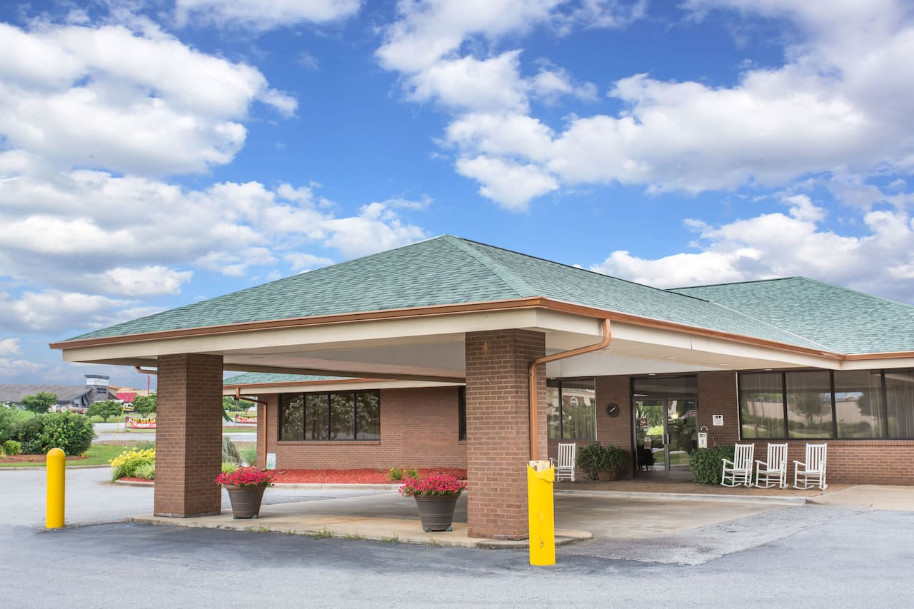Days Inn Wilkesboro in Jonesville, North Carolina