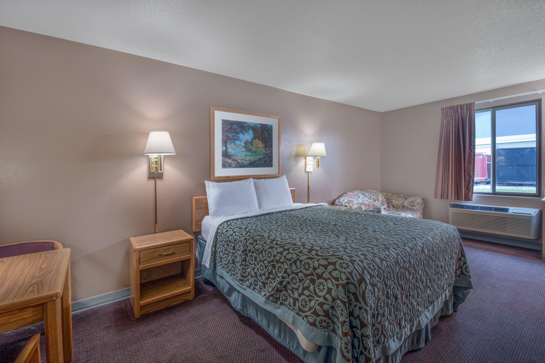 Guest room at the Days Inn Jamestown in Jamestown, North Dakota
