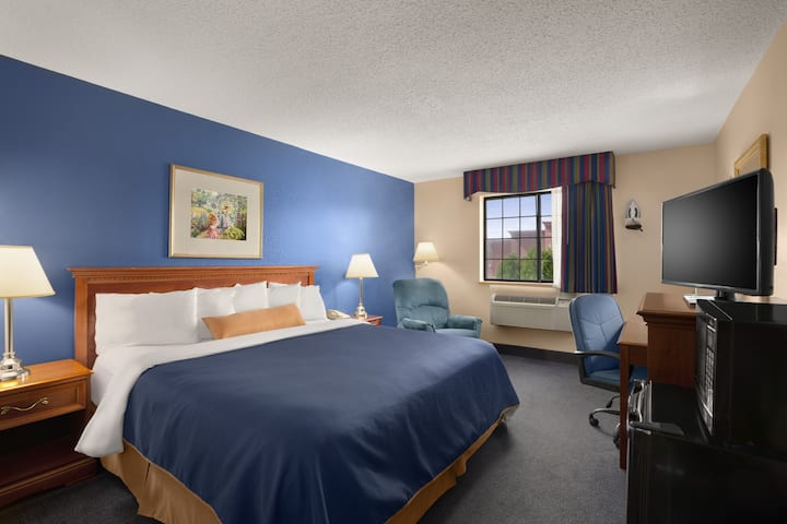 Guest room at the Days Inn Keene NH in Keene, New Hampshire