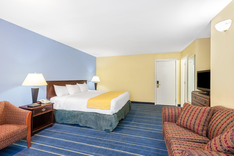 Guest room at the Days Inn Lebanon/Hanover in Lebanon, New Hampshire