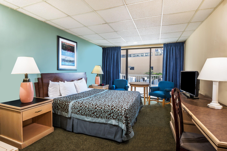 Guest room at the Days Inn Atlantic City Oceanfront-Boardwalk in Atlantic City, New Jersey