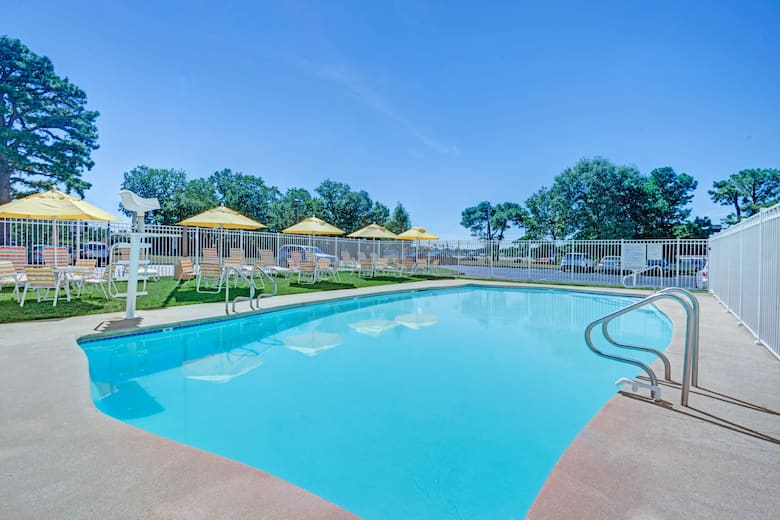 Pool At The Days Hotel Egg Harbor Township Pleasantville Atlantic City In