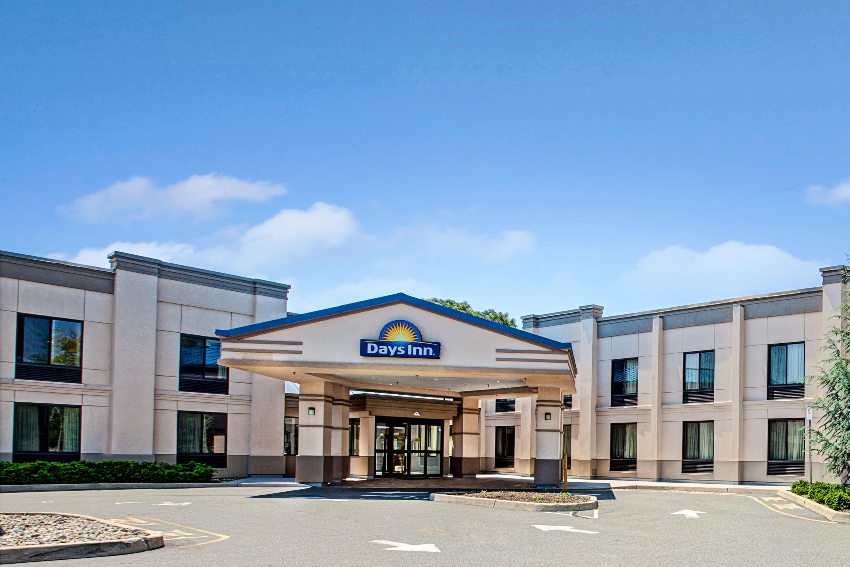 Days Inn by Wyndham Parsippany | Parsippany, NJ Hotels