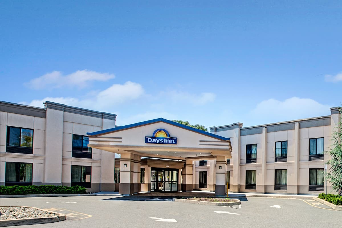 Exterior Of Days Inn Parsippany Hotel In New Jersey