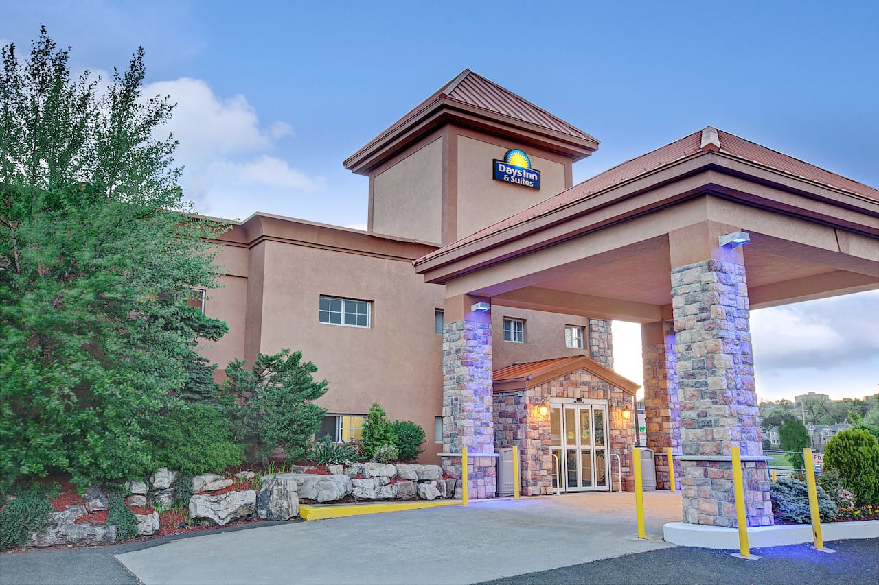 Days Inn Ridgefield NJ in  Newark,  New Jersey