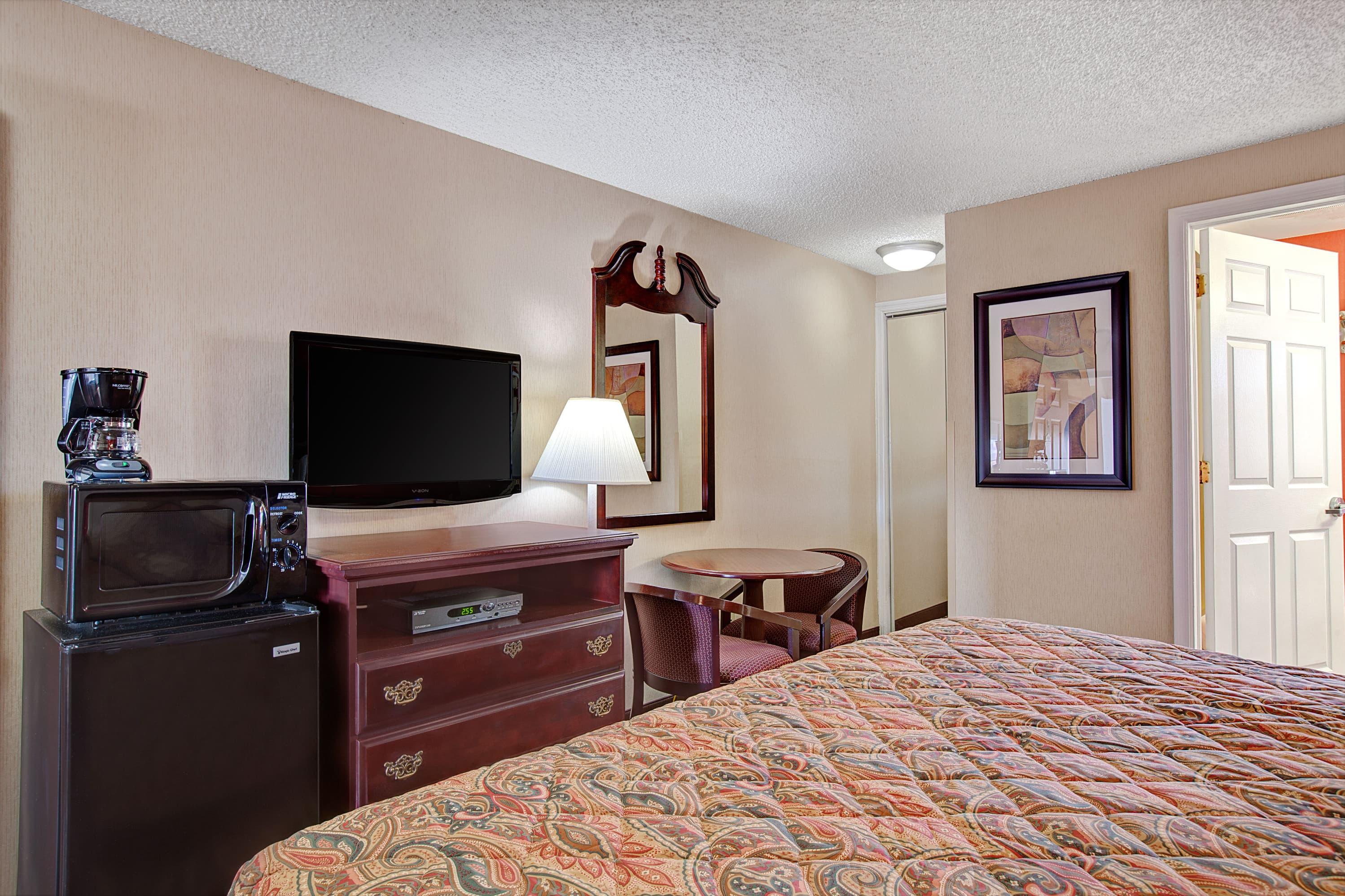 Days Inn Ridgefield NJ suite in Ridgefield, New Jersey