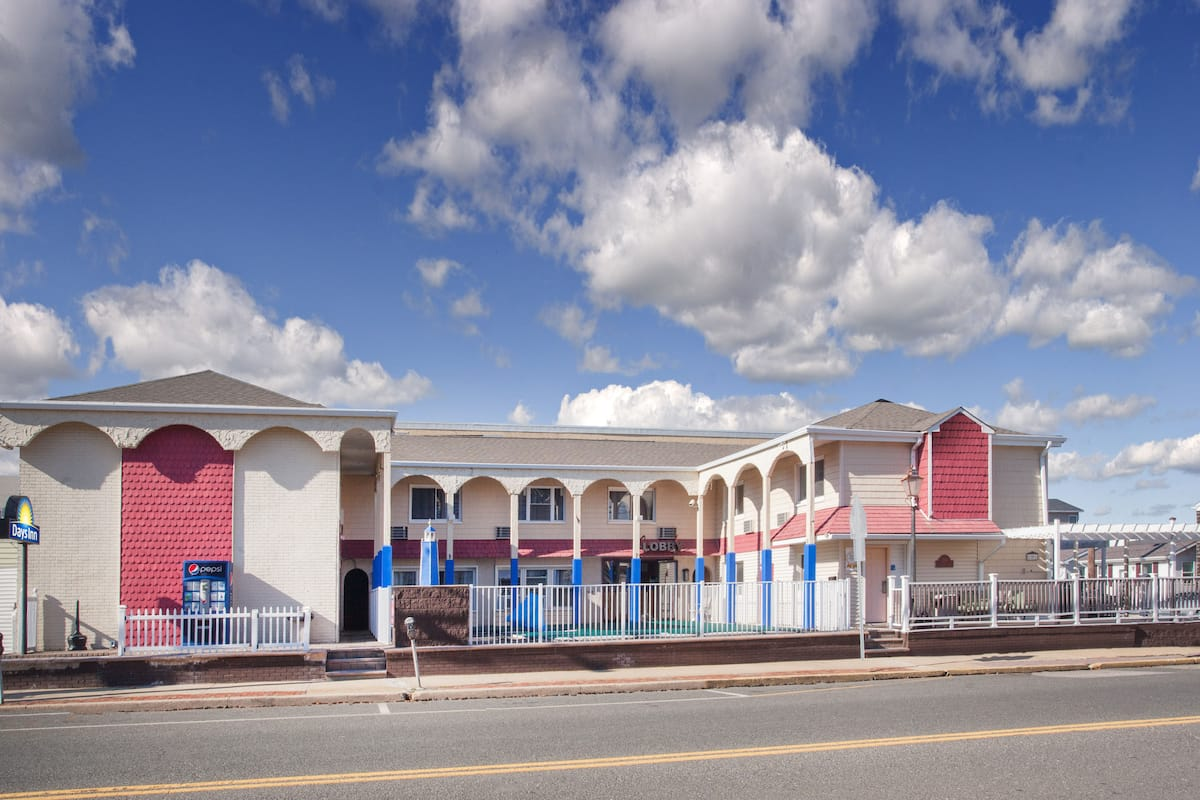 Exterior Of Days Inn By Wyndham Seaside Heights Toms River Hotel In