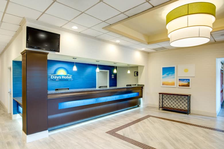 Days Hotel By Wyndham Toms River Jersey S Lobby In New