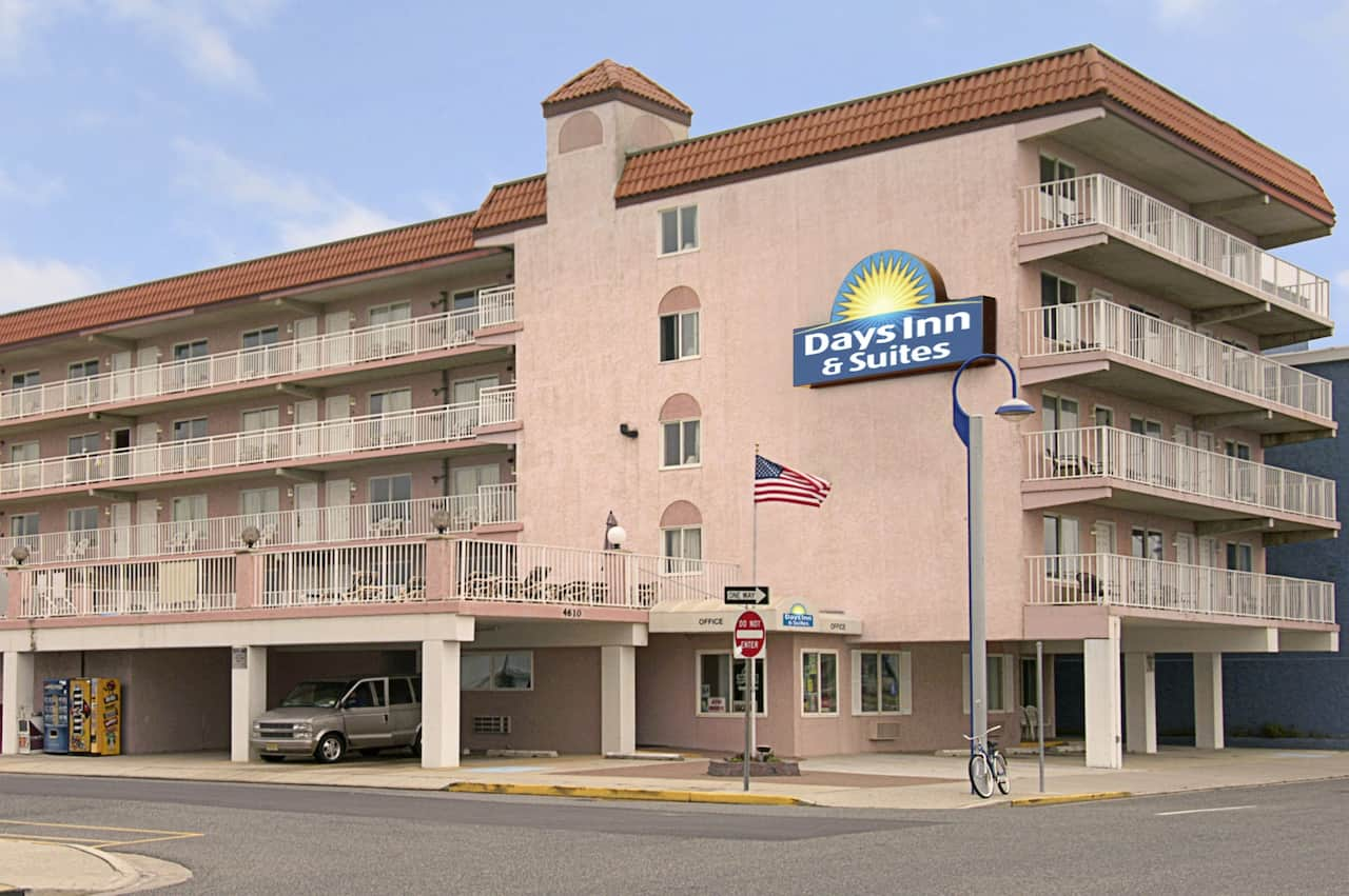 Days Inn & Suites Wildwood in Wildwood, New Jersey