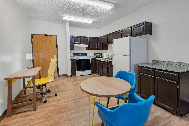 Days Inn Bernalillo suite in Bernalillo, New Mexico