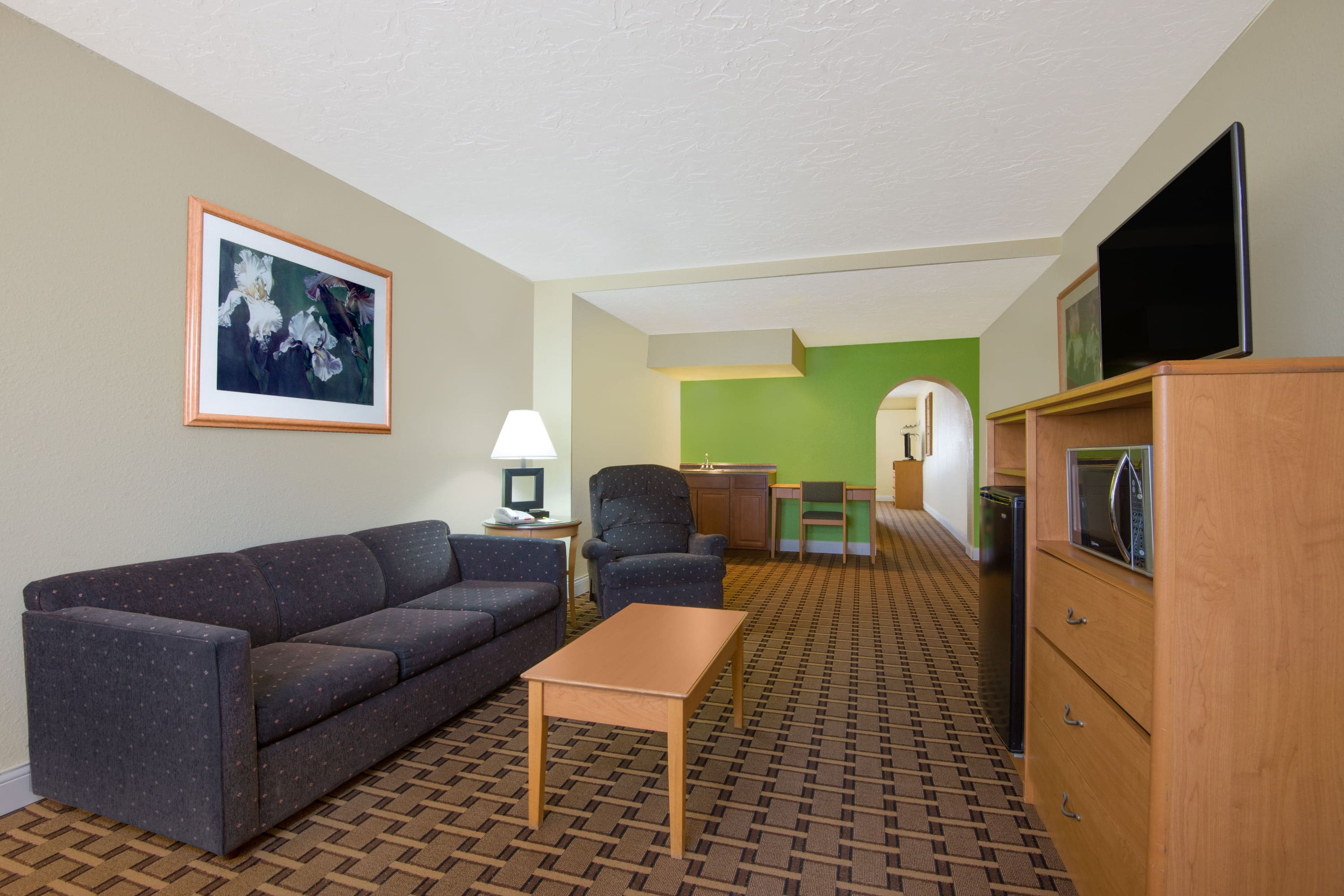 Guest room at the Days Inn & Suites Clovis in Clovis, New Mexico