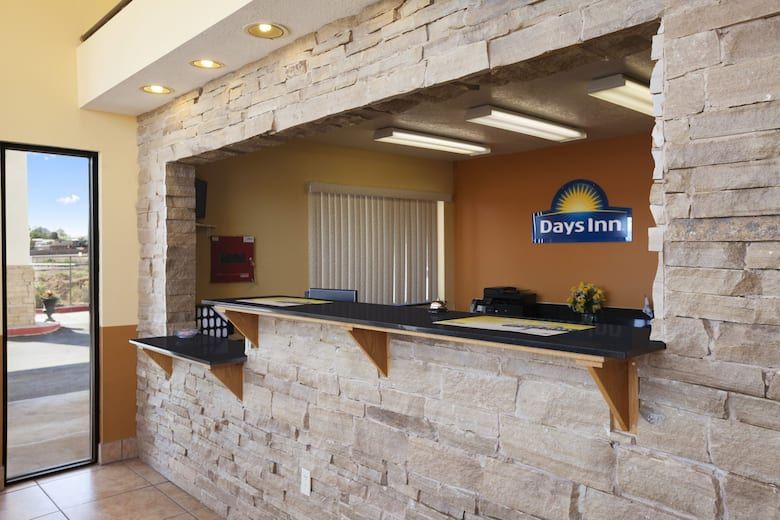 Days Inn By Wyndham Los Lunas Hotel Lobby In New Mexico