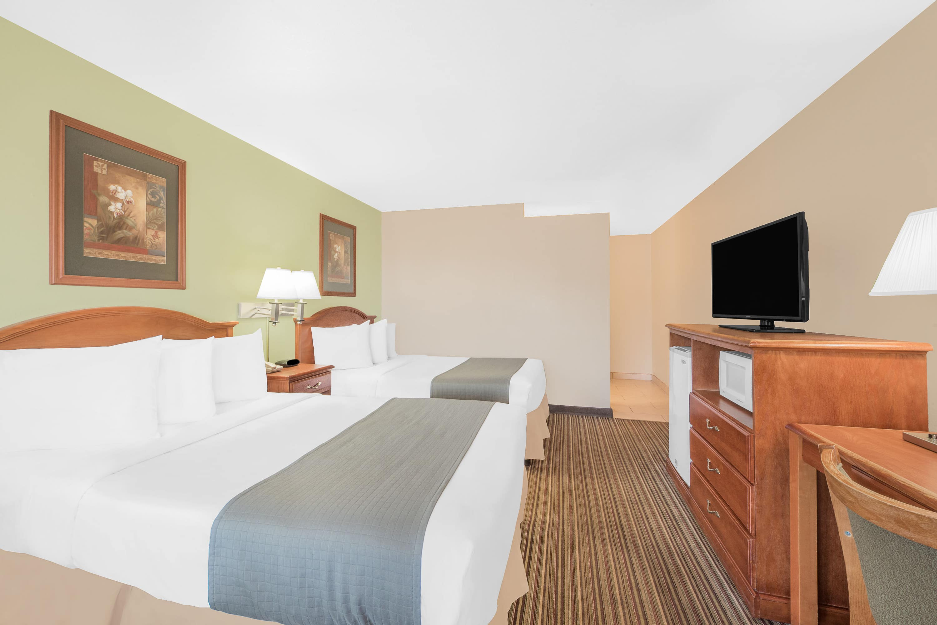 Guest room at the Days Inn Roswell in Roswell, New Mexico